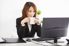 Businesswoman working in the office Royalty Free Stock Photography