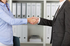 Businesswomans Shake Hands Royalty Free Stock Photos