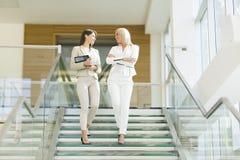 businesswomen photographie stock libre de droits