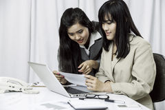 Businesswomen discussing on computer Royalty Free Stock Photo