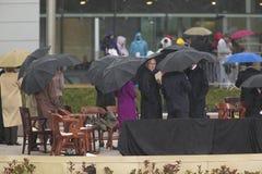 buskegeorge president w Bush och andra på etapp under den storslagna öppningscermonin av Williamen J Clinton Presidential mitt i  Arkivbilder