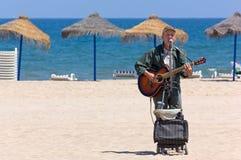 Busker na plaży Walencja obrazy stock