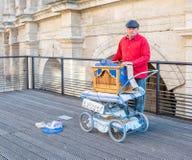 Busking i Arles, Frankrike arkivfoto