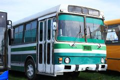 Busparken lizenzfreies stockfoto