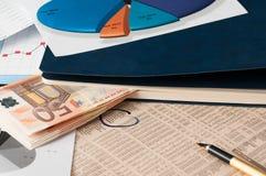 Busque una mejor inversión del mercado de acción Imagen de archivo libre de regalías