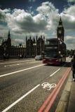 Buss Big Ben för arkitekturLondon Themsen Royaltyfria Foton