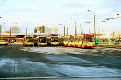 Buss för Vilnius stadsspårvagn i den Zirmunai områdesNord staden Arkivbilder