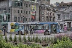 Buss i gamla Monteal Royaltyfri Fotografi
