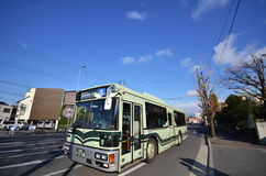 Buss i Kyoto, Japan Royaltyfri Bild
