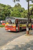Buss i Mumbai, Indien Royaltyfria Bilder