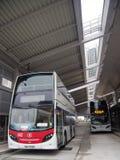 Buss i stationen för buss för tennshuiwai, Hong Kong arkivbild