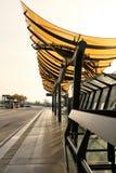 buss mitt emot stationer Fotografering för Bildbyråer
