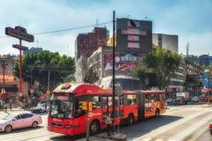 Buss på Mexico - stad royaltyfri foto