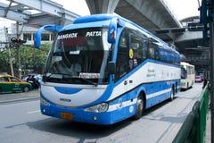 Bussa inget 48-8 av den Rodrungrueng företagsbussen Royaltyfria Bilder
