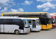 Bussar på parkering Royaltyfria Foton