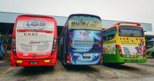 Bussar på stationen i Kuala Lumpur, Malaysia arkivbilder