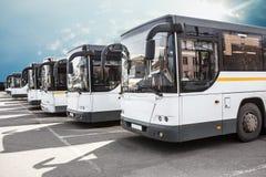 bussar som parkerar turisten arkivfoto