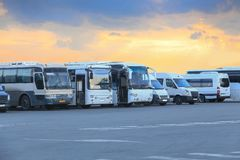 bussar som parkerar turisten royaltyfri foto