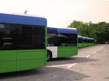 Bussen in het depot royalty-vrije stock foto