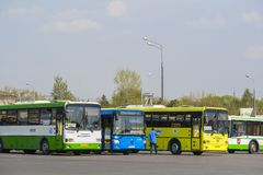 bussen het parkeren stock foto