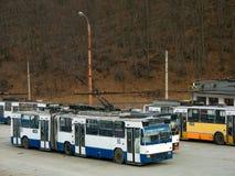 bussgaragetrolleybus Arkivfoto