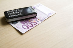 Bussiness Konzept - bewegliches Geld Lizenzfreie Stockbilder