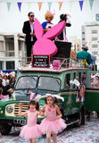 busskarnevalet ståtar playboy royaltyfri fotografi