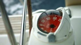 Bussola sulla barca archivi video