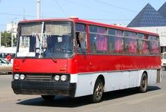 bussred Arkivfoto