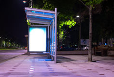 Bussstation på natten Arkivbilder