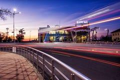 Bussstation södra - 4-12-2016 - Burgas, Bulgarien - soluppgång Royaltyfria Bilder