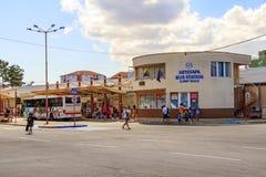 Busstation Zonnig strand Bulgarije Zonnig strand 25 08 2018 stock foto