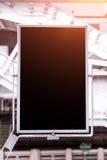 Busstationaanplakborden, zwarte aanplakborden in lege metro Royalty-vrije Stock Afbeeldingen
