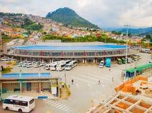 Bussterminal i den Manizales staden, Colombia royaltyfria foton