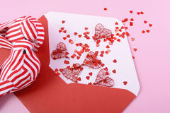 Busta felice della lettera di amore di giorno di biglietti di S. Valentino Immagine Stock Libera da Diritti