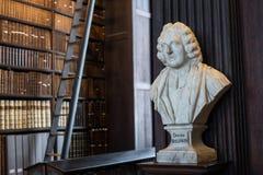 Buste de docteur Baldwin dans l'université de trinité Images libres de droits