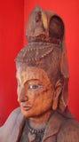 Buste de prêtresse découpé en bois thaïlandais Images libres de droits