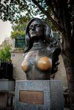 Buste du chanteur français célèbre Dalida photos stock