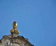 Buste eines goldenen Papstes Stockbild