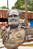 Buste en bronze de Dom Pedro II dans Ilhabela photographie stock libre de droits