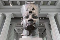 Buste rouge de granit d'Amenhotep III dans British Museum Photo libre de droits