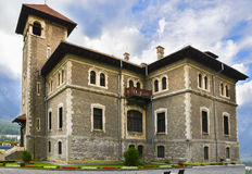 从Busteni,罗马尼亚的Cantacuzio城堡 免版税库存照片