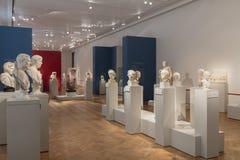Busti di Greco Philosphers e degli imperatori nel museo Berlino di Altes Immagine Stock