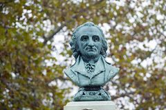 Busto de Thomas Paine encima de su monumento en New Rochelle, Nueva York Imagenes de archivo