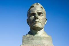 Busto de Vladimir Komarov na aleia dos cosmonautas fotos de stock royalty free