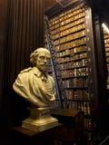 Busto della biblioteca di Trinity College di Shakespeare fotografia stock libera da diritti