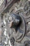 Busto di una donna in bronzo immagini stock libere da diritti