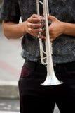 Busto masculino con la trompeta de plata Imágenes de archivo libres de regalías