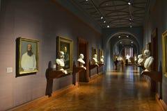Bustos das pinturas da galeria de arte imagens de stock royalty free