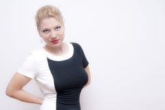 Busty blonde junge Frau Lizenzfreie Stockbilder